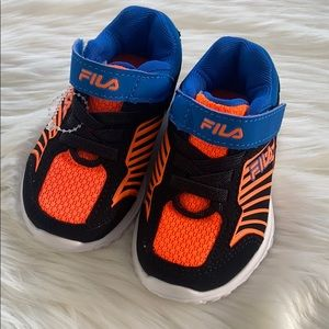 Fila shoes for toddler boys size 5 1/2